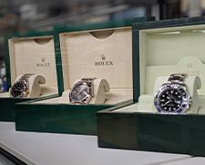 801028bee ブランドバッグ・高級腕時計の購入 ブランド服飾品を買うならBOOKOFF